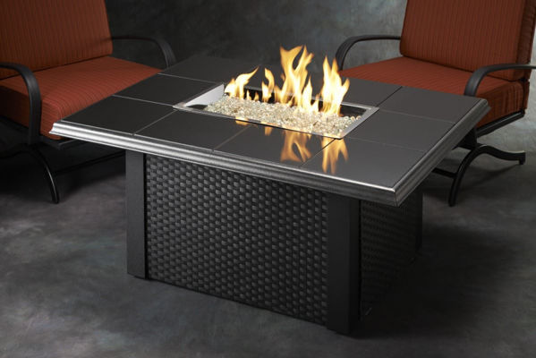 Picture of Outdoor Great Room Rectangular Napa Valley Fire Pit Table Metal Corner - Black
